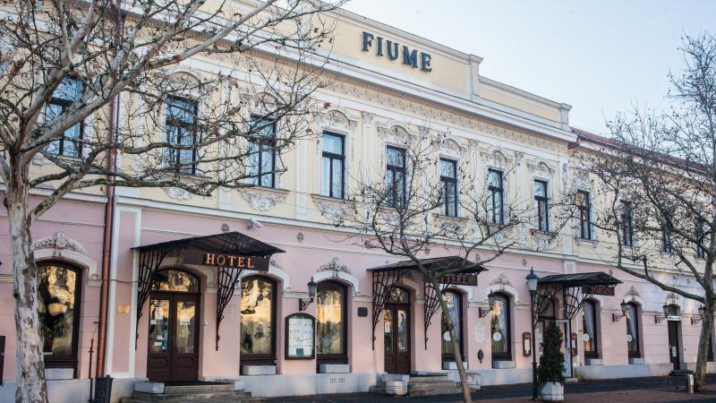 Fiume *** Hotel és Étterem